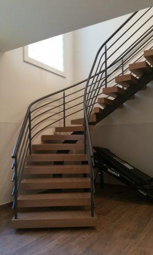 Lépcső -  Fémkreatív - Szekeres András - kerítésszerelés lakatosmunka - kapuk, kerítések, korlátok