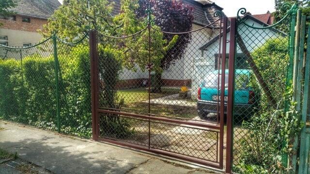 Kapu -  Fémkreatív - Szekeres András - kerítésszerelés lakatosmunka - kapuk, kerítések, korlátok